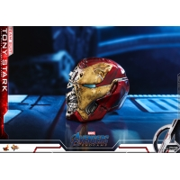 Hot Toys – MMS537 - Avengers: Endgame - 1/6th scale Tony Stark (Team Suit) Collectible Figure