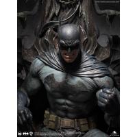 Queen Studios - Batman on Throne 1/4 Statue (Premium)