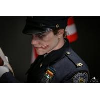 Queen Studios -  Joker 1/3 Statue (Police Uniform)