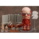 Nendoroid - Colossal Titan & Attack on Titan Playset